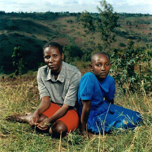 Jonathan-Torgovnik-Justin-with-her-daughter-Alice-Rwanda-web_