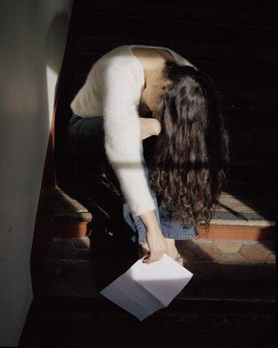 Foto_TANGO-SINGER_-Deborah-Russ-detail-Take-care-of-yourself-Sophie-Calle-2007-c-ADAGP-Courtexy-Galerie-Emmanuel-Perrotin-Paris_Miami-Arndt-Partner-Berlin-Zuerich-Koyanagi-Tokyo-web_