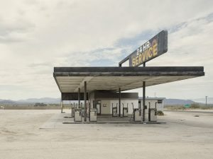 IÑAKI BERGERA - California 117, Desert Center, California .Serie: Twentysix (abandoned) gasoline stations